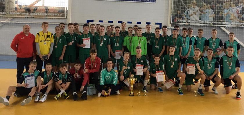 Победители республиканской спартакиады ДЮСШ среди юношей. Фото: handball.by